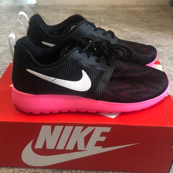 462425f7291b New girls Nike roshe one flight weight shoes